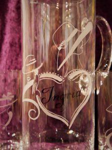 Wasserkrug mit Motiv Frau & Hut