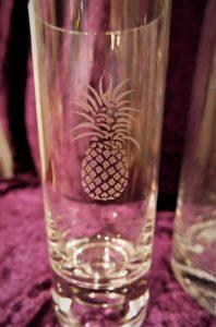 Glas mit Motiv Ananas