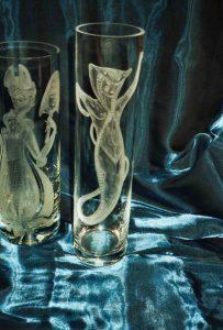Vase mit Schlagenfrau